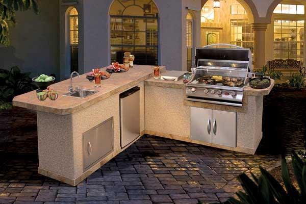 Luxury Backyard Kitchen BBQ Islands Family Image