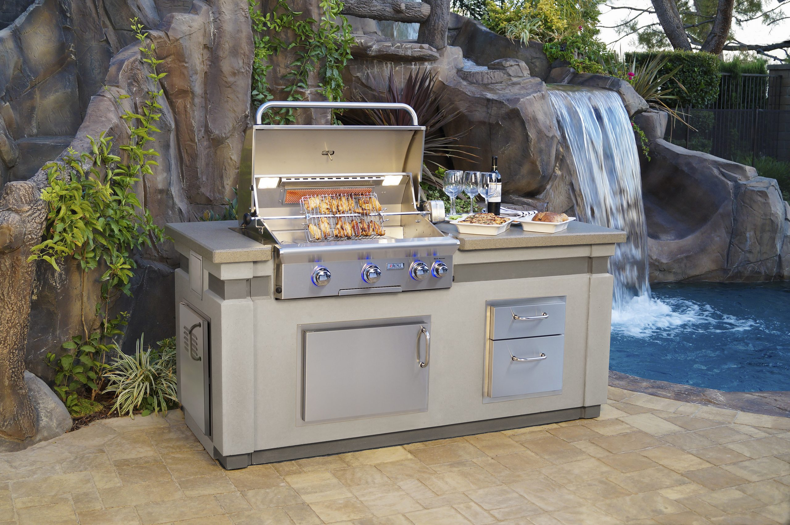 Outdoor Kitchens & Gas Grills Visual List Item Image