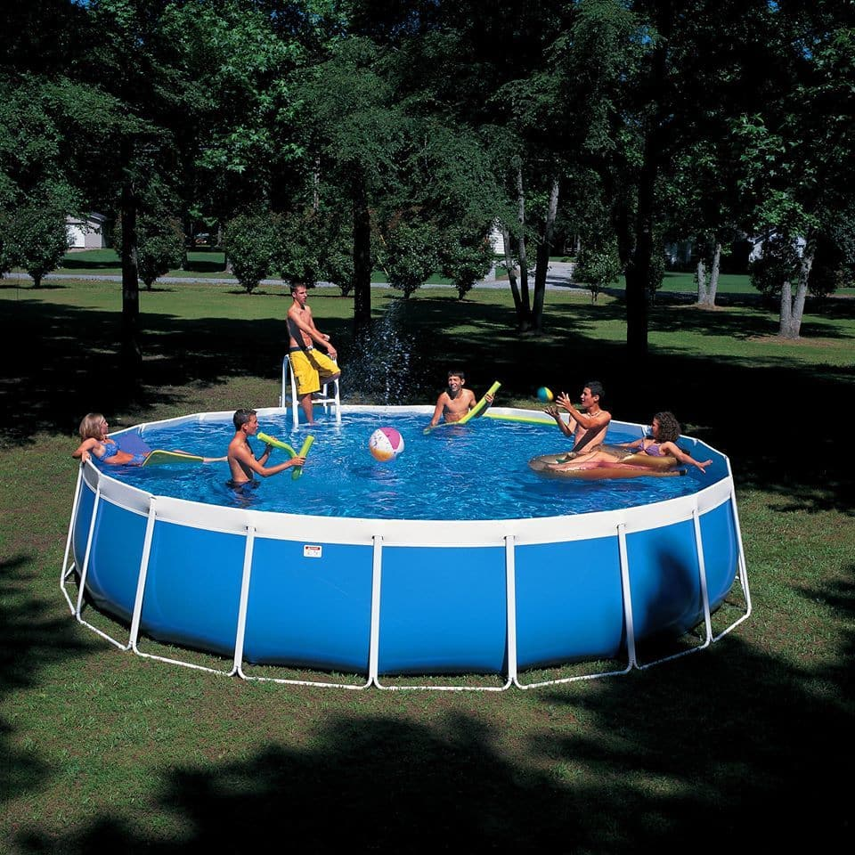Friends in a financed pool