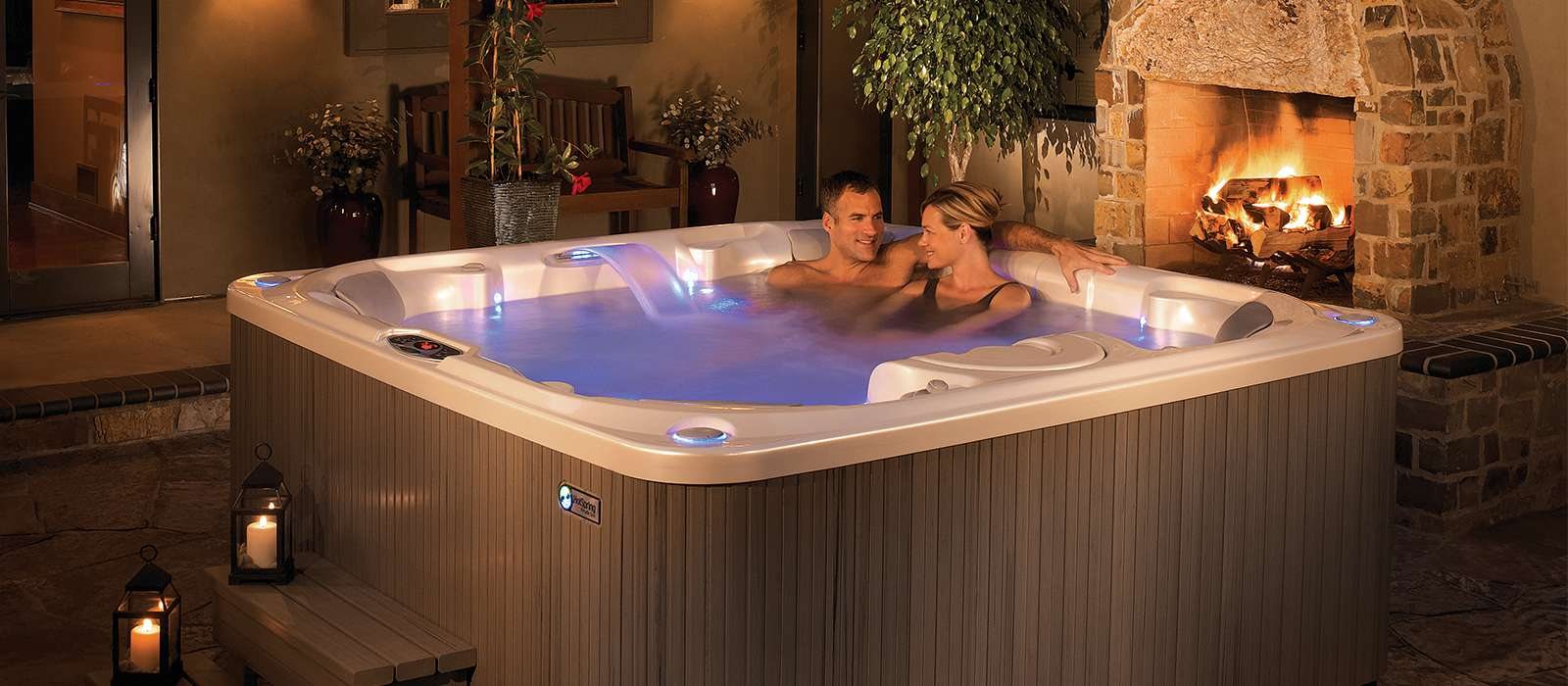 Create ambience in the Pulse hot tub with the tranquil sounds of the Vidro® backlit waterfall, which enhances every hot tub experience.