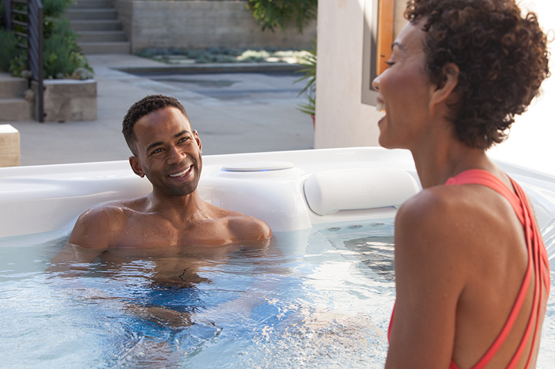 The Pros of Owning an Outdoor vs. Indoor Hot Tub